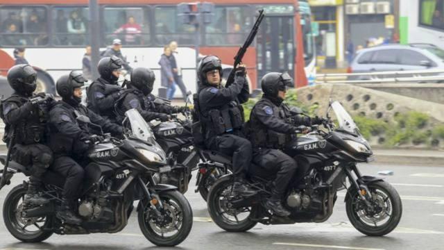 Reglamentan el uso de armas de fuego para fuerzas federales