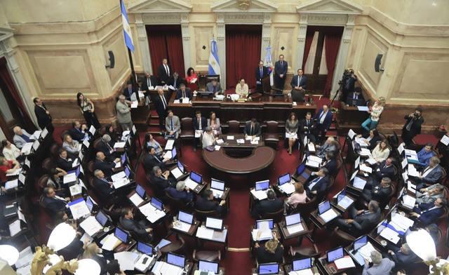 El Senado aprobó 10 leyes en una sesión exprés