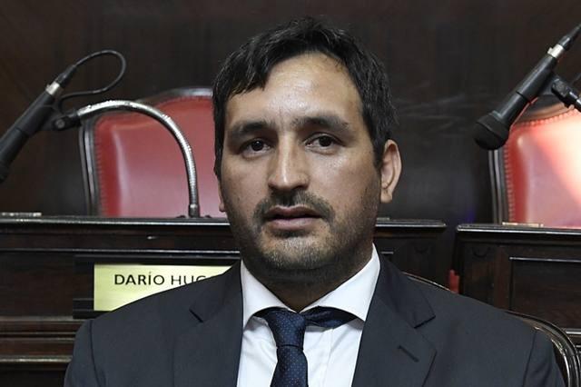 Senador de La Cámpora renunció tras ser denunciado por abuso
