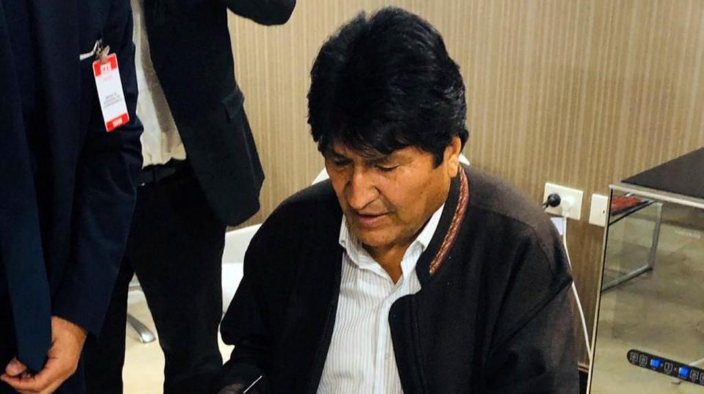 Evo Morales llegó a la Argentina y se le dio asilo político