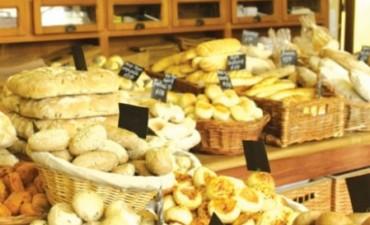 La harina subió un 25% y no se descarta un aumento del pan