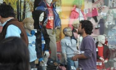 """Aseguran que en Salta hay lugares que venden ropa más barata que """"Ropa para todos"""""""