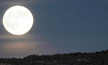 """Se verá el domingo una """"súper Luna"""""""