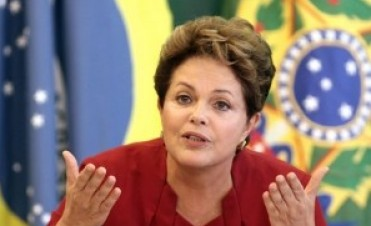 Brasil: Dilma Rousseff convocó a