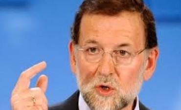 La oposición española pide la renuncia inmediata de Rajoy