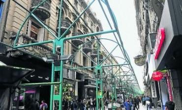 La Peatonal recuperó el cielo y el paisaje urbano