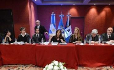 Cristina dijo que no se presentará en 2015, a empresarios y gremialistas