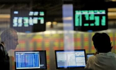 Inversores compran un bono que asegura dólares a $8,86 dentro de dos semanas
