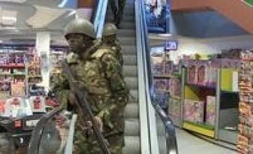 Rescatan a casi todos los rehenes del shopping tomado por terroristas en Nairobi