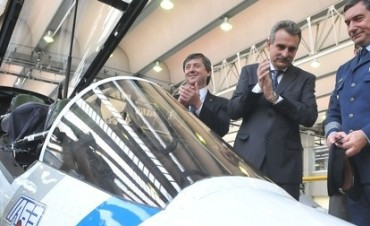 Rossi presentó el avión Pampa III y lanzó créditos para el Puelche