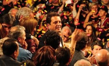 Arrollador triunfo de Massa marca la derrota del Kirchnerismo en los principales centros del país